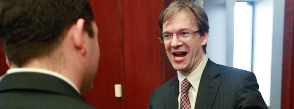 Chris Abele just having a grand ol' time keeping wages down!
